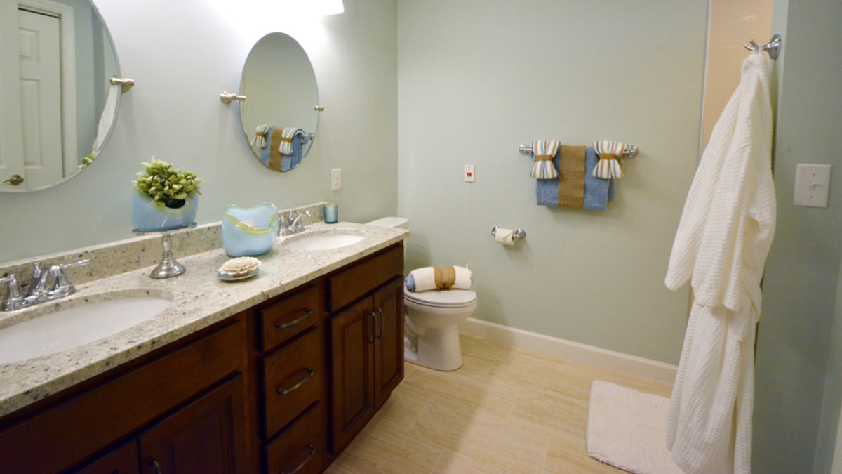 Bermuda Village - Independent Living - Bath