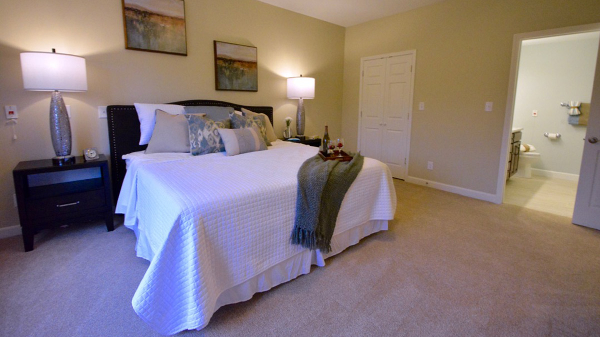 Bermuda Village - Independent Living - Bedroom