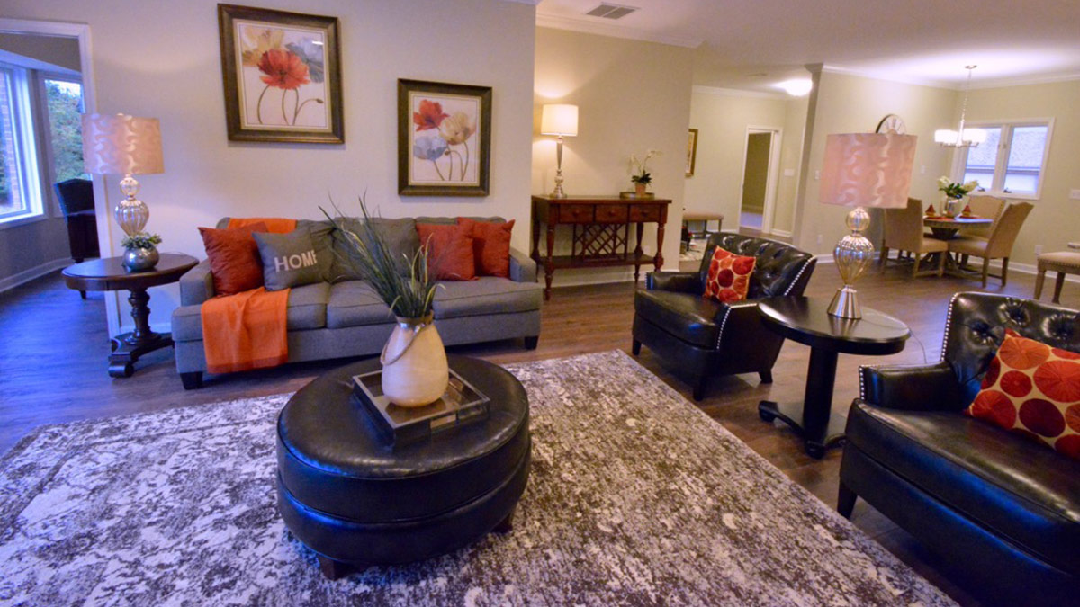 Bermuda Village - Independent Living - Living Room