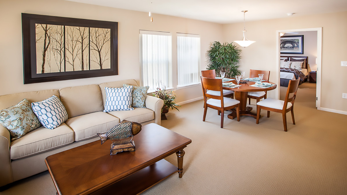 Preston Pointe - Independent Living - Living Room