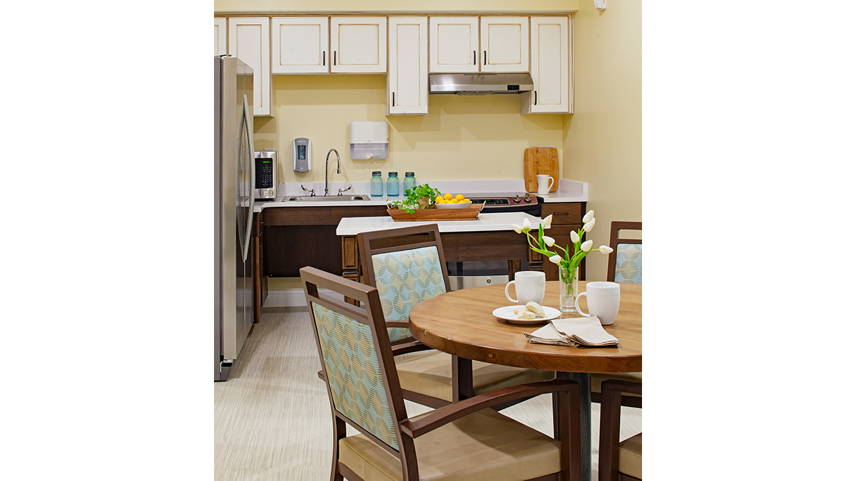 Salemtowne - Memory Care - Kitchen