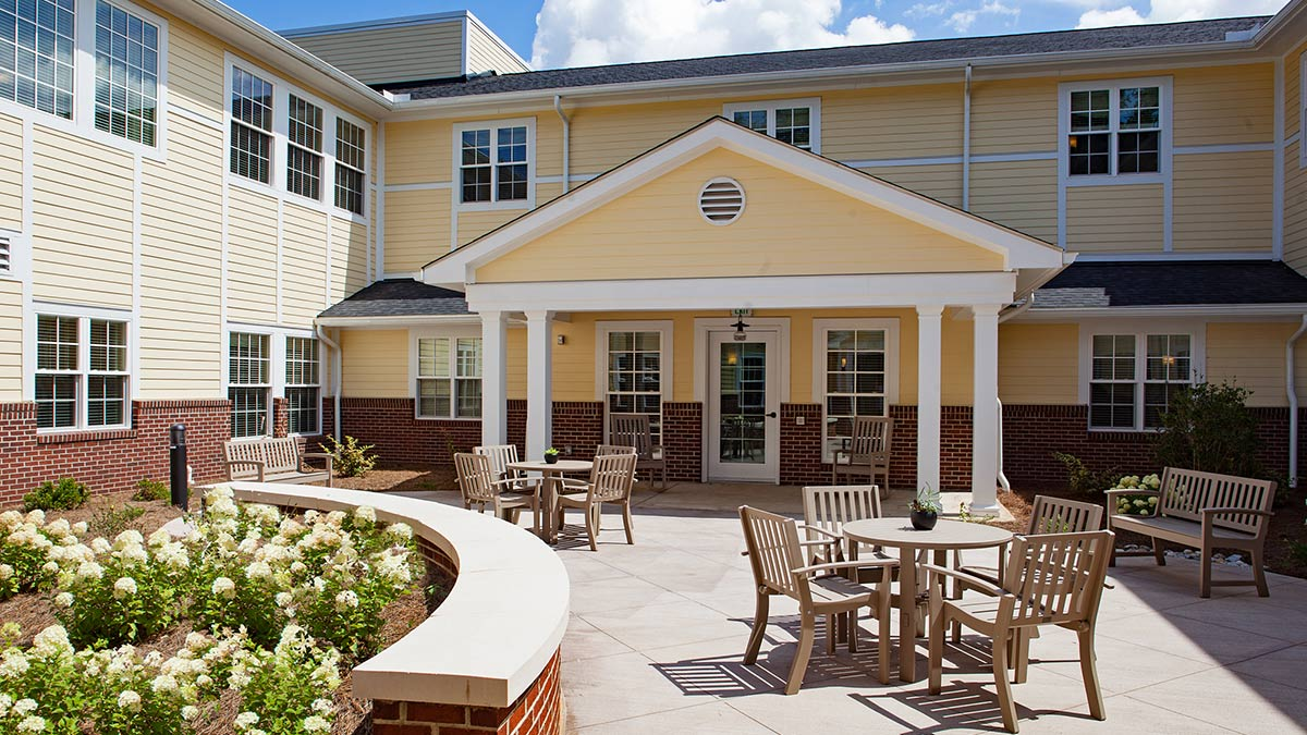 Salemtowne - Memory Care - Patio