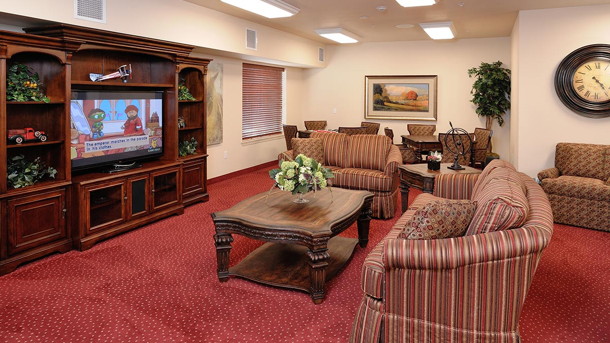 Whispering Pines - Independent Living - TV Room