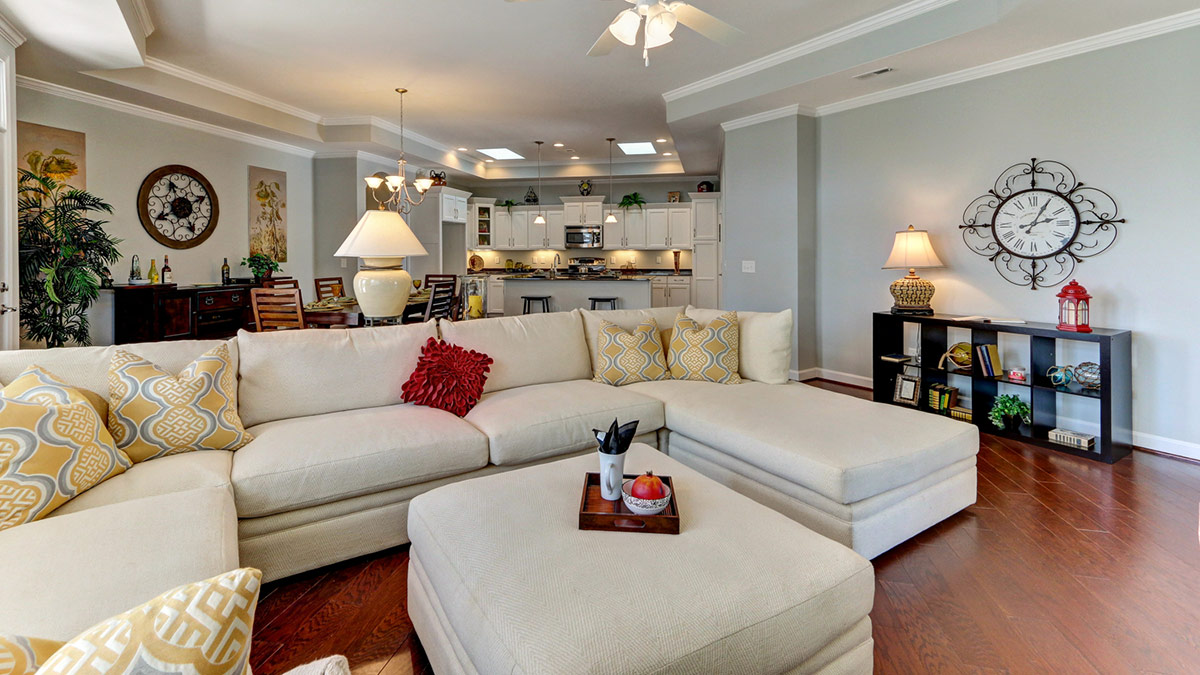 Villas on 5th - Promenade - Living Room