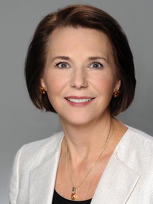 Erickson Advisors - Linda Erickson - Headshot