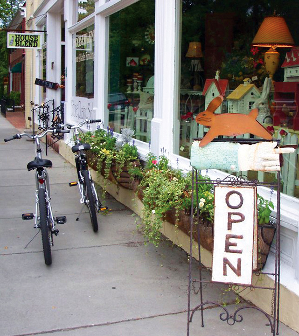 Southern Pines - Storefront & Bikes