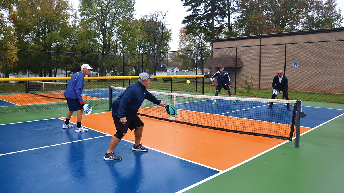 Pickleball - 4 Players