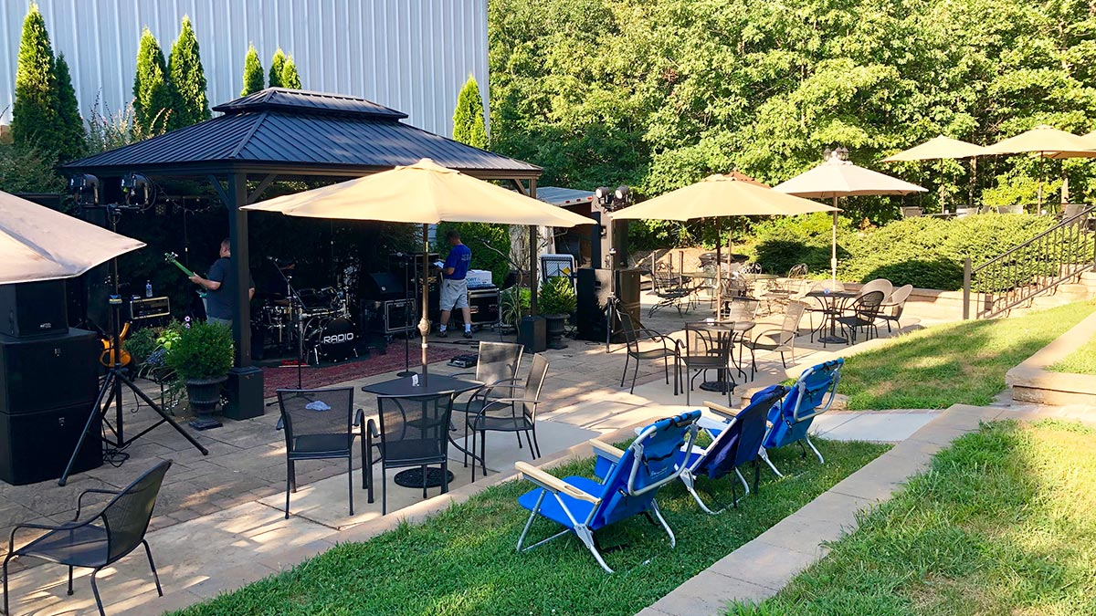 Stonefield Cellars Winery - Lawn